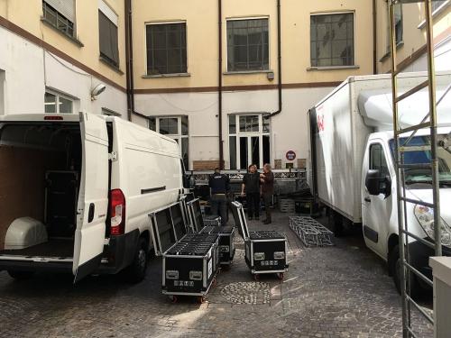vista carico e scarico spazio Bergognone con camion