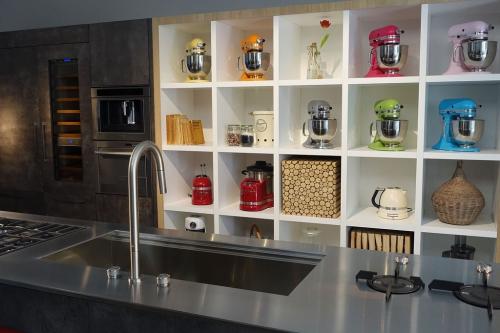esposizione della kitchen aid al fuorisalone